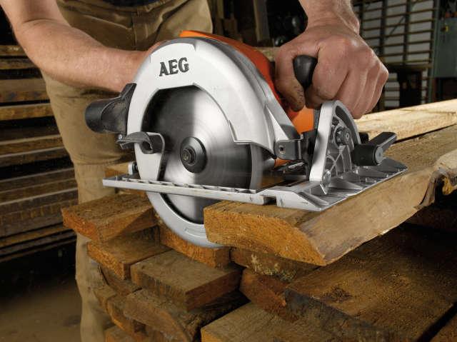 מסור חזק המיועד לעבודות בתנאים קשים - AEG KS 66 C