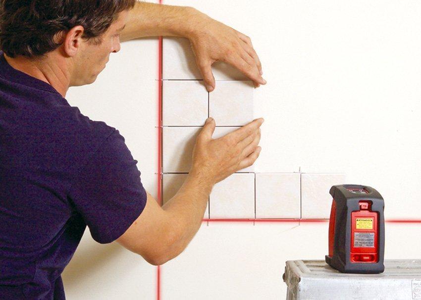 תצוגת עבודה עם פלס לייזר 892 Prolaser® Plus של חברת קפרו