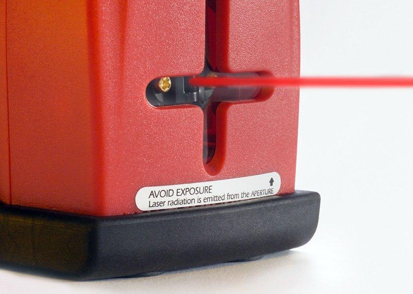 פעולת קרן הלייזר בפלס לייזר 892 Prolaser® Plus עם סמן לייזר של חברת קפרו